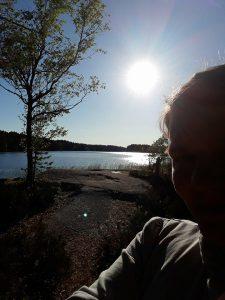 Aurinko nousee, kesäinen luonto kuva